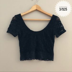 Juniors FOREVER 21 lace crop top